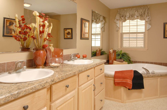 Pennwest the pennflex ii ranch model hr170 a ranch style for Model home bathrooms