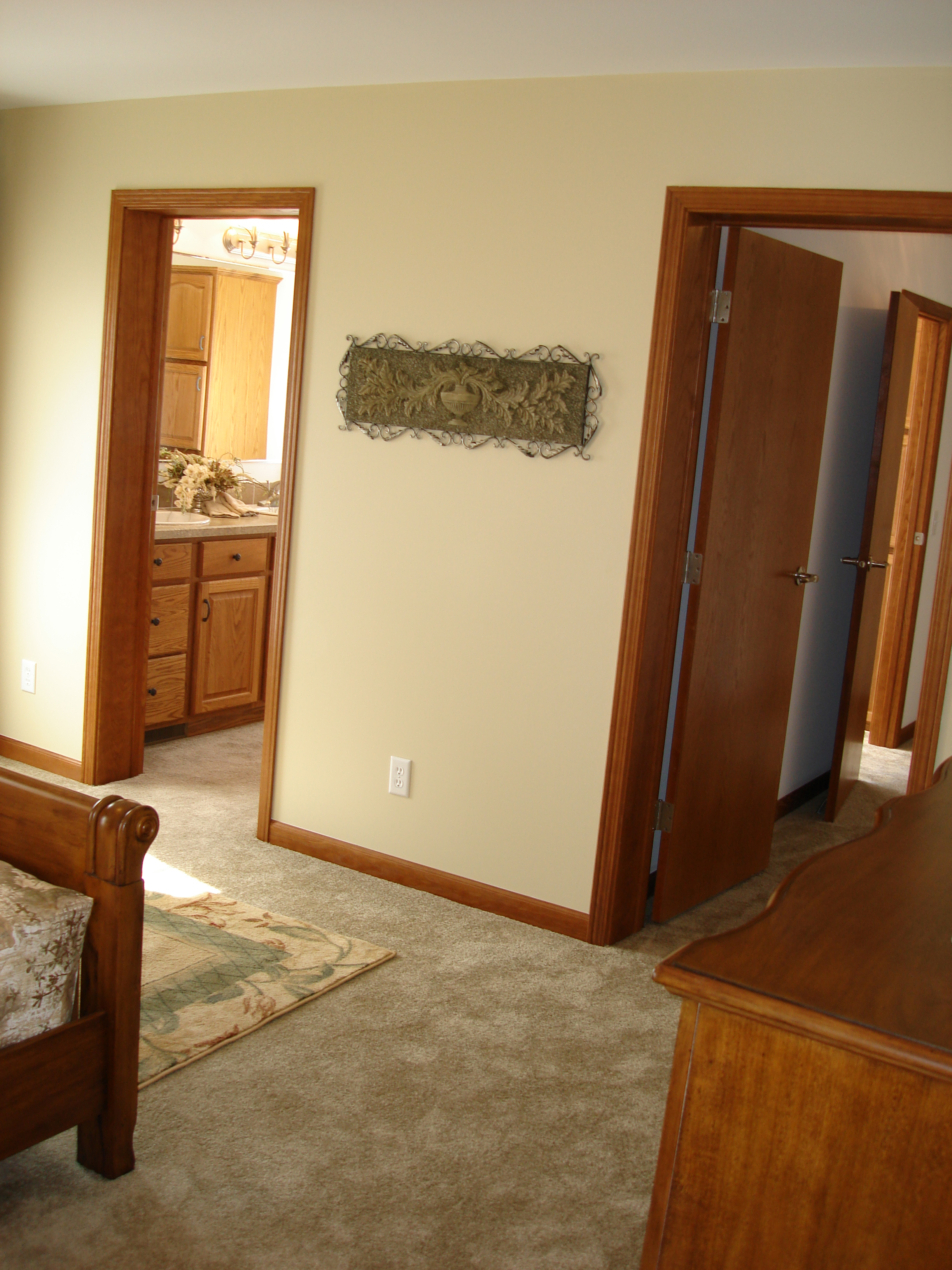 Pennwest quincy ii model hf117 a ranch style modular home sample home photo tour photo 35 Entrance to master bedroom